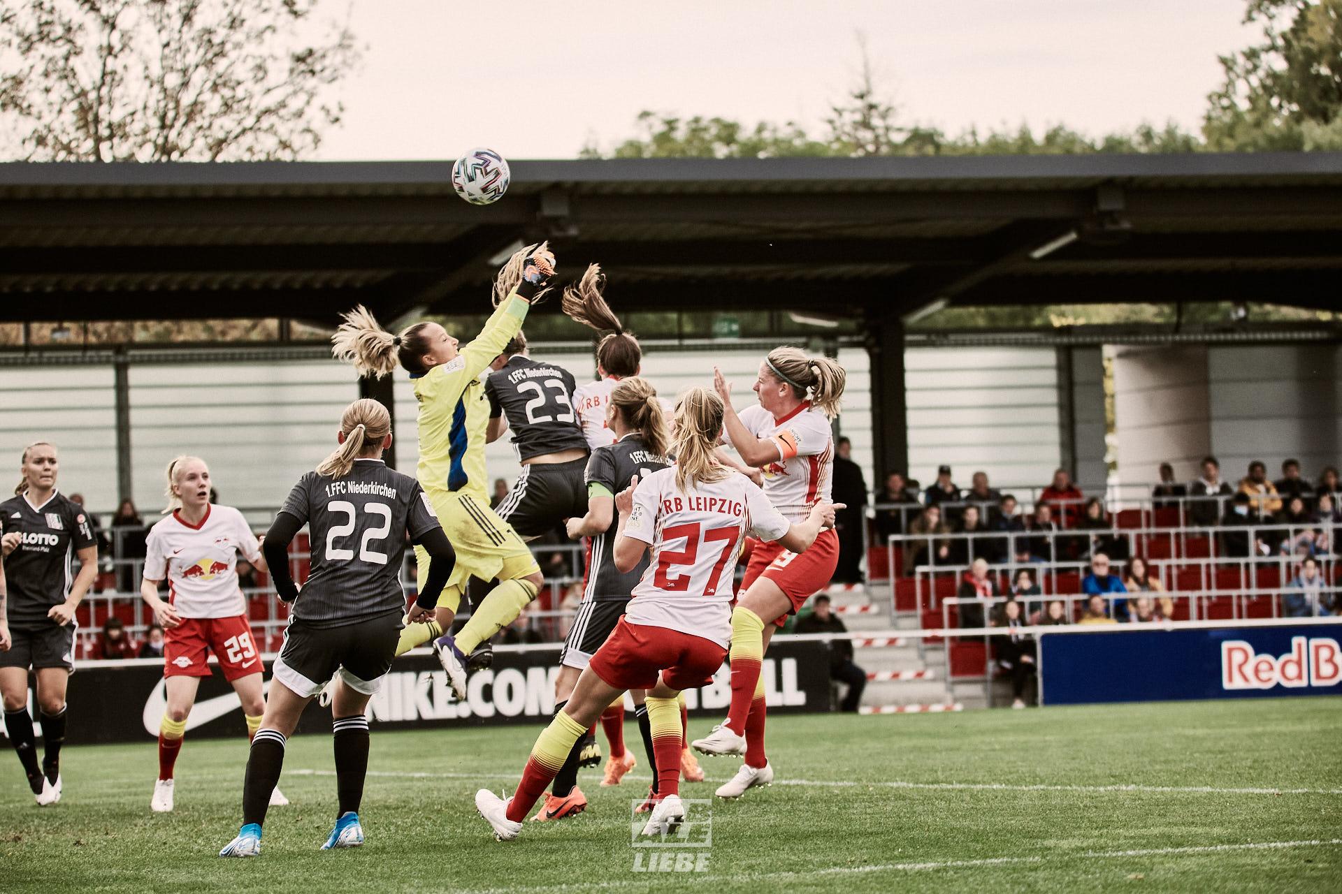 DFB-Pokal: RB Leipzig -vs- 1. FFC Niederkirchen